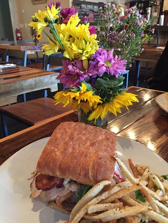 Ramona, CA: Turkey club on rosemary focaccia