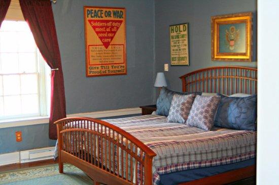 North Garden, VA: Americana Suite Bedroon