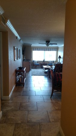Westwinds Waterfront Resort: View from entry doorway