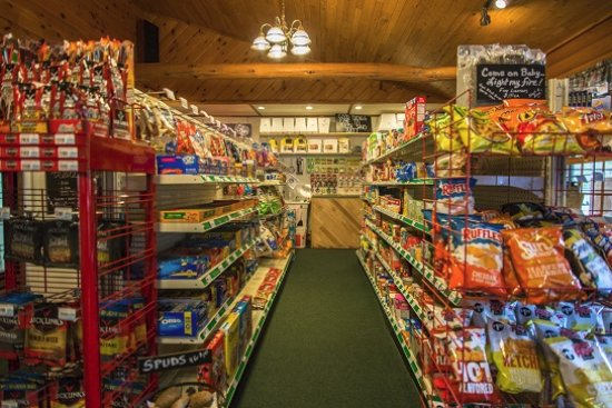 Watersmeet, MI: Convenience Store