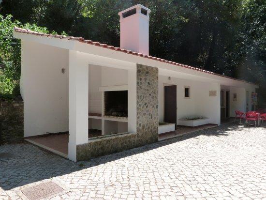 Figueiro dos Vinhos, Portugal: The barbecue and coffee shop!