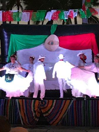 Villa del Palmar Beach Resort & Spa: Mexican Fiesta