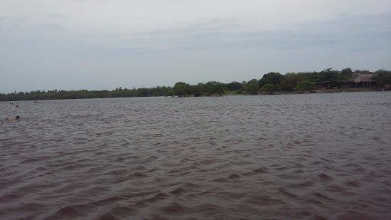Barra de Potosi, México: vista desde la laguna