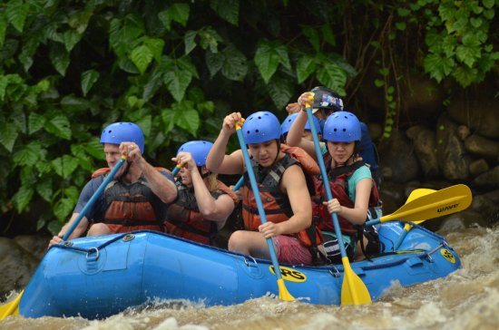 Playa Samara, Costa Rica: Awesome White Water rafting in the rain forest of CR