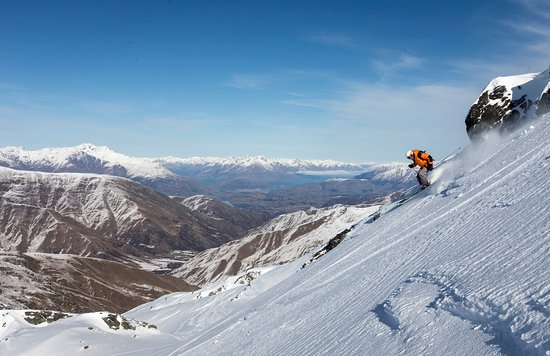 Alpine Adventures: Queenstown Private Ski Experience
