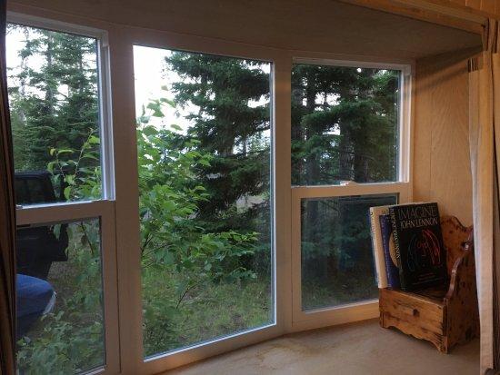 Eagle Harbor, MI: nice bay window cabin 8