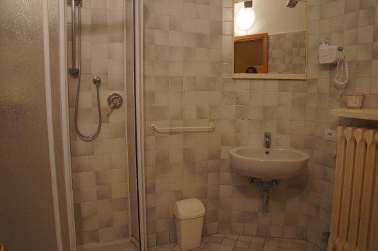 PIemonte da Sciolla : The bathroom