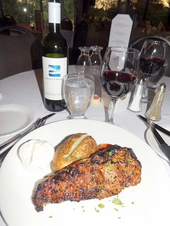 Fort Erie, Canada: 10 oz striploin with potato of your choice and veg