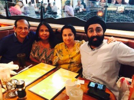 Fairfax, فيرجينيا: Dinner at a restaurant you must try