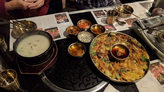 Strathfield, Australia: The spicy Korean hotpot and clear beef soup