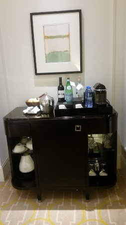 The Langham, Hong Kong: The mini bar was fabulous and we were thrilled that we had a Nespresso machine!