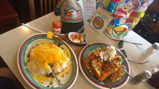 Taylor, MI: Fruity Pebbles French Toast a la mode and Bird's Nest Omelet