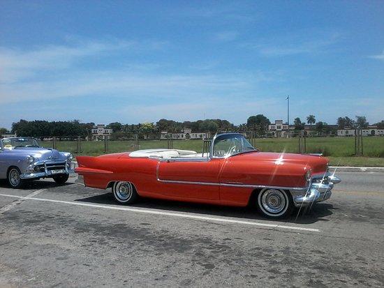 Old Cars Havana Cadillac Convertible