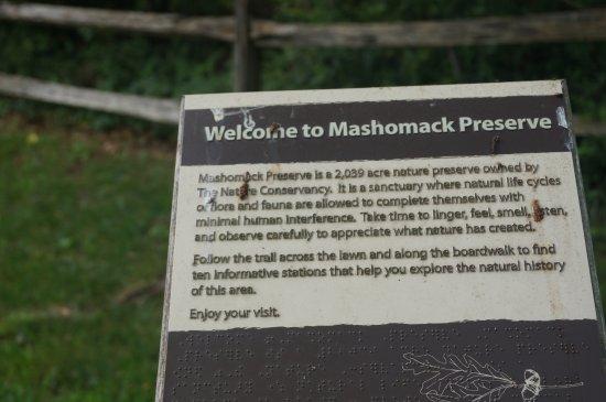 Mashomack Preserve: Signage