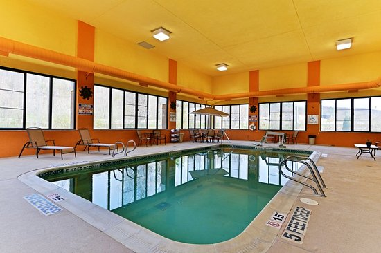 Painted Post, NY: Indoor, Heated Pool