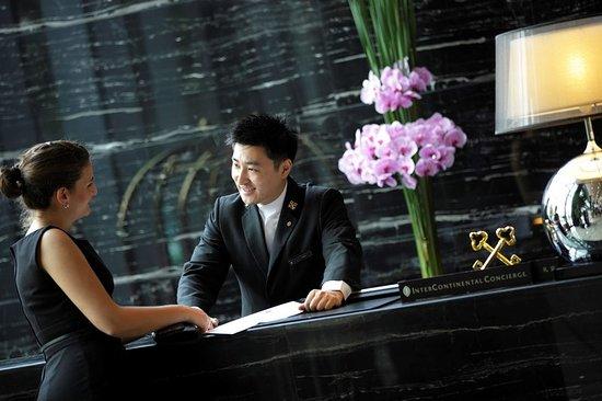 Nantong, China: Concierge