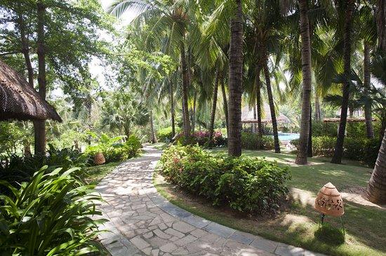 Holiday Inn Resort Phi Phi Island Hotel by IHG   Sanya Holiday Inn Resort Logo