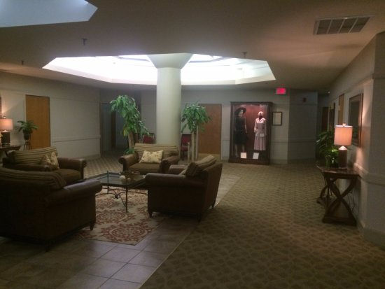 Haywood Park Hotel: 4th Floor Common Area