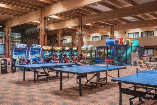 Saint Cloud, MN: Kid's zone with ping pong tables.