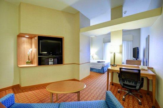 Warner Robins, GA: King Suite