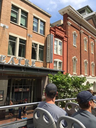 DC Tours: Going by Ford's Theater, where Lincoln was shot.