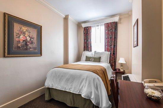 Sedalia, MO: Guest room