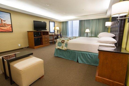 The Woodlands, TX: Deluxe King Guestroom