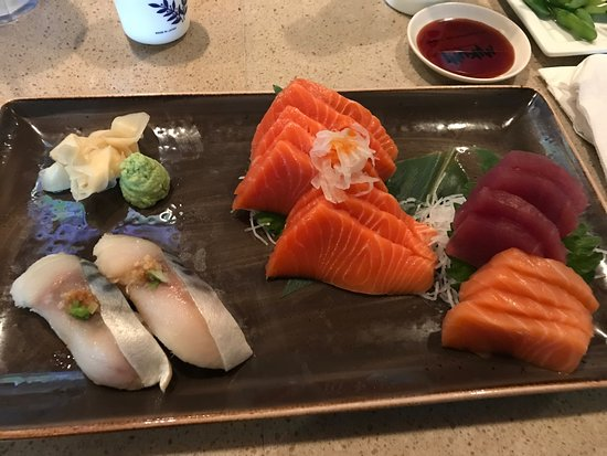Elk Grove, Califórnia: Delicious nigiri and sashimi.
