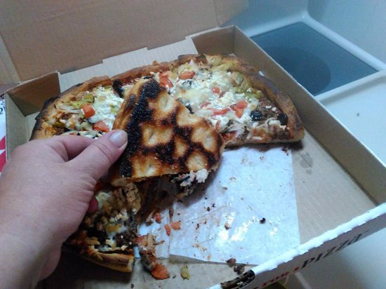 100 Mile House, Canada: burnt pizza