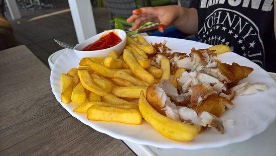 Benz, Tyskland: Barntallrik - Friterad fisk med pommes