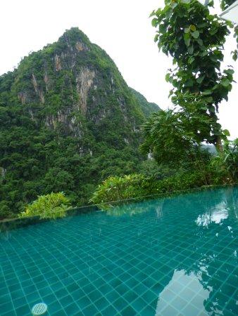 Nong Khiaw, Laos: Horizon pool