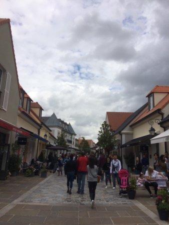 La Vallee Village: photo0.jpg