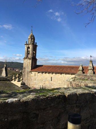 Igrexa de San Xulian de Requeixo