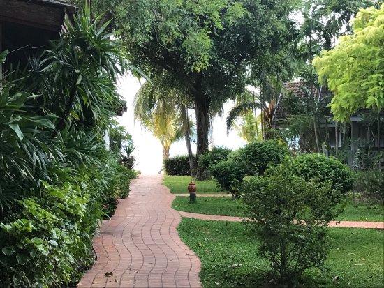 Paradise Beach Resort: photo1.jpg