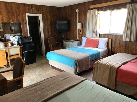 The White Eagle Inn & Family Lodge