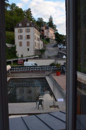 Evaux-les-Bains, France: Vue sur la piscine