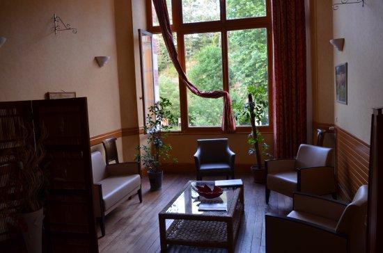 Evaux-les-Bains, France: Un des petits salons