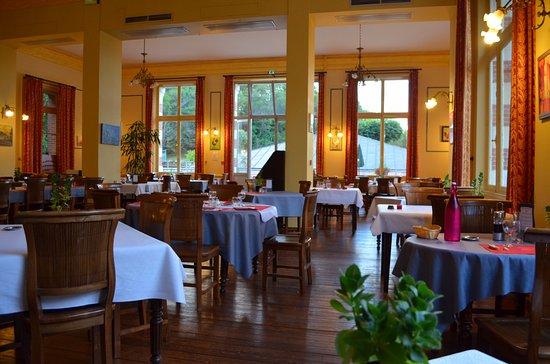 Evaux-les-Bains, France: Grande salle à manger avec un certain cachet