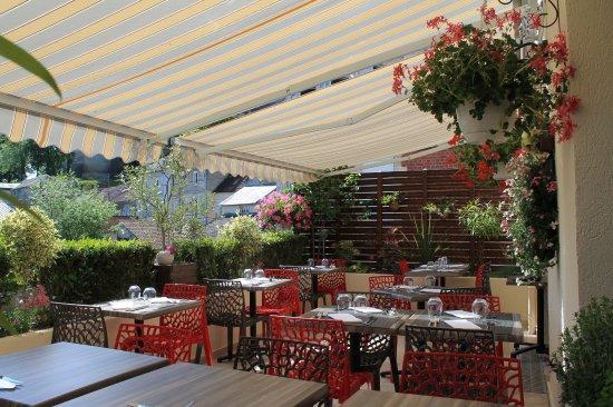 Restaurant Aux Bles d'Or: Notre nouvelle terrasse avec vue sur le château