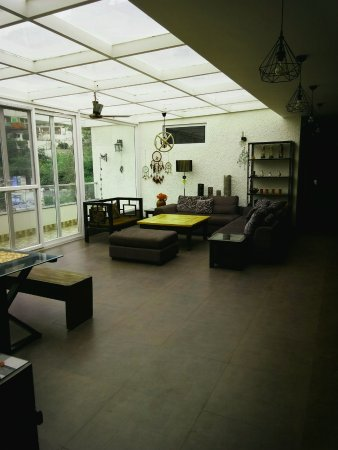 Lounge Interiors - Picture of Nirvana Lodge and Lounge, Mussoorie ...