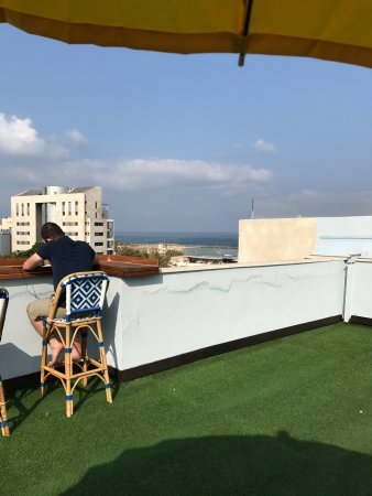 The Port Hotel Tel Aviv: Terrace with partial sea view