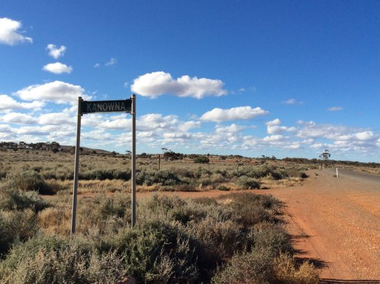 Kalgoorlie-Boulder, Australia: What's left of Kanowna - blink as you are driving and you would miss it!