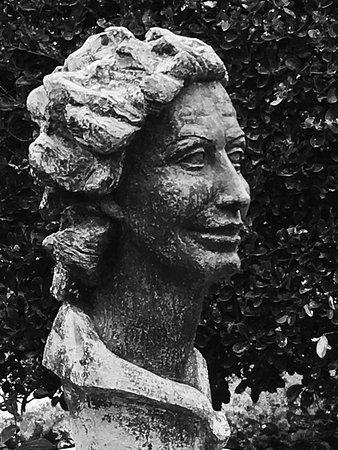 Busto de Maria Marino