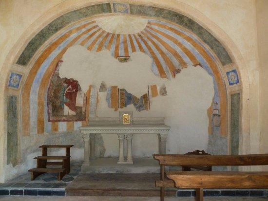 Borgomanero, Italië: Interno della chiesa