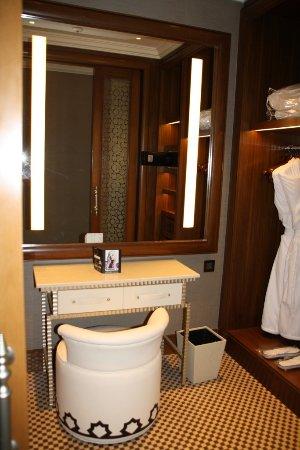 Ankleidezimmer Picture Of Waldorf Astoria Ras Al Khaimah Ras Al