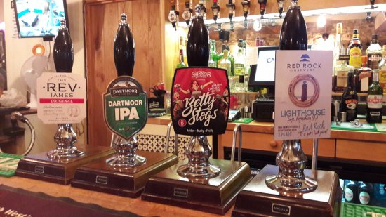 Axbridge, UK: We offer a changing selection of real ales, alongside ciders, lagers and soft drinks