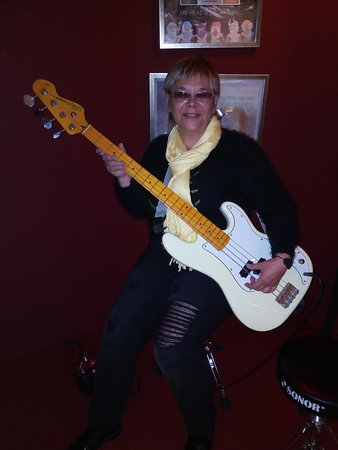 Keflavik, Iceland: I'm playing the electric guitar