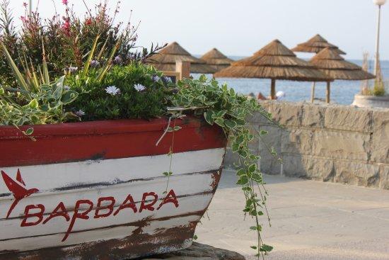 Barbara Piran Beach Hotel & Spa: on the way to beach