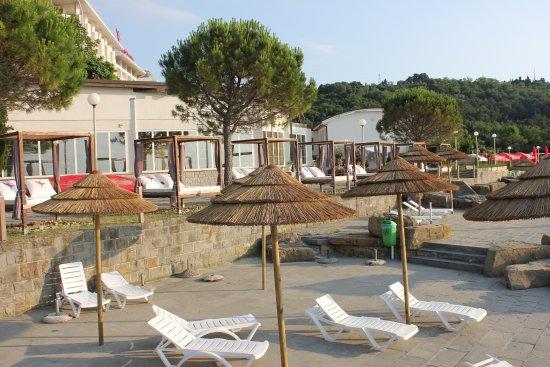 Barbara Piran Beach Hotel & Spa: beach