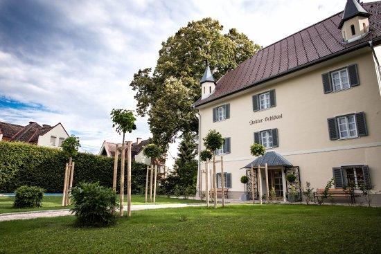 DOKTORSCHLÖSSL Finest bed & breakfast: Südwest Fassade Hoteleingang